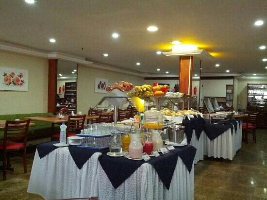 Golden Park Hotel: cafe da manhã