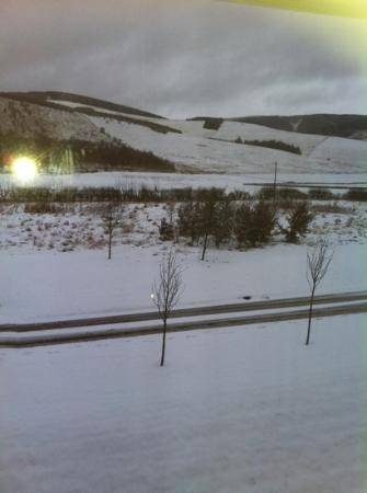 Macdonald Cardrona Hotel, Golf & Spa: first snow at cardrona hotel, breathtaken views from room