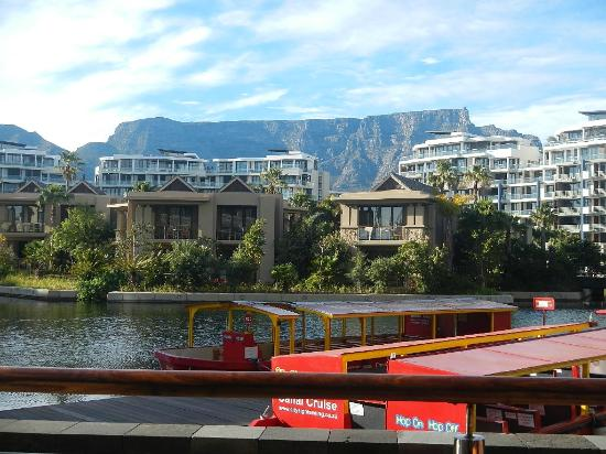 One&Only Cape Town: Table Mountain from breakfast room
