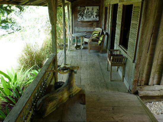Ratua Private Island: Deer villa hallway