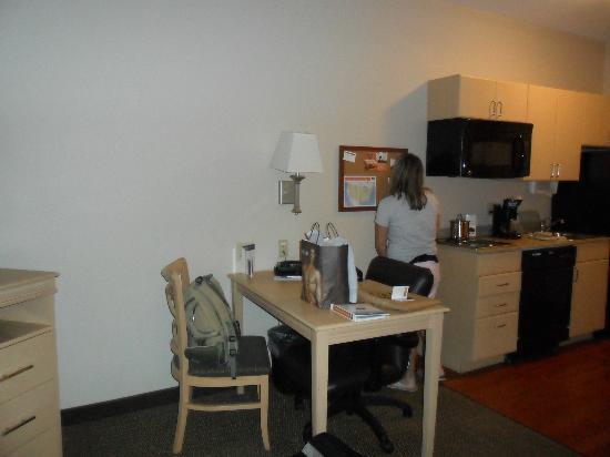 謝里登燭木套房飯店張圖片