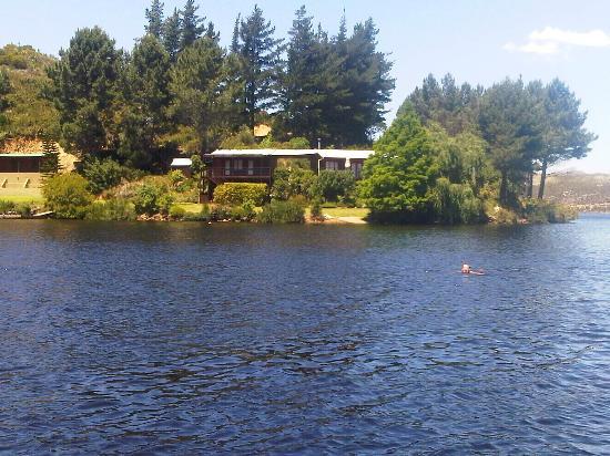 Beautiful Mofam River Lodge