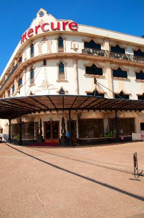 Mercure Vientiane: Outside view