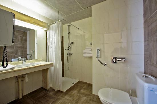 Hotel de Selves : salle de douche