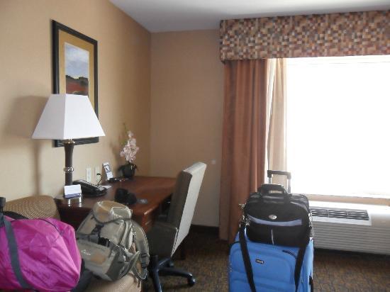 Hampton Inn Moab: Camera con matrimoniale kingsize con colazione a buffet