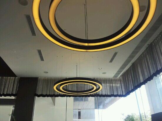 Fraser Suites Perth: Lobby