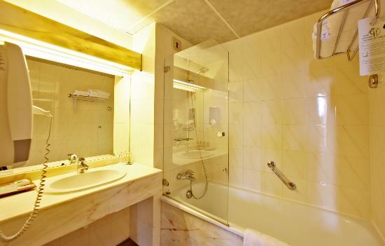 Hotel de Selves : salle de bain