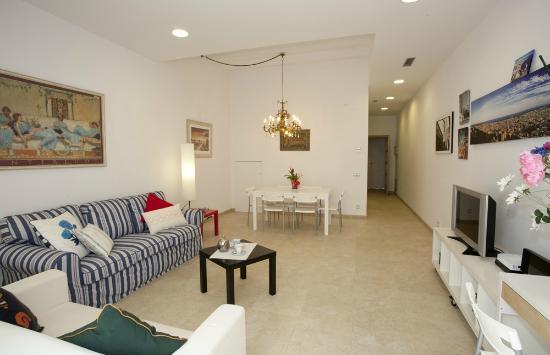 Coroleu House Barcelona: Living Room