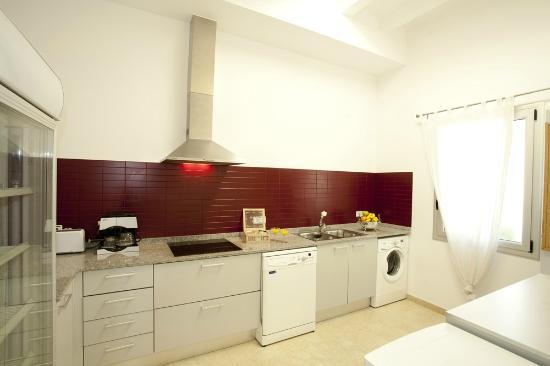 Coroleu House Barcelona: Kitchen