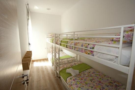Coroleu House Barcelona: Private 4 people room