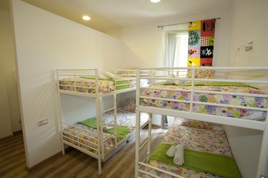 Coroleu House Barcelona: Private Ensuite 6 people room
