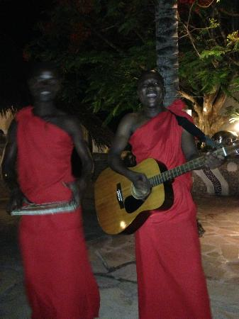 Pinewood Beach Resort & Spa: Entertainment by the pool