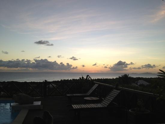 Villa les Bougainvilliers: il tramonto visto dalla terrazza