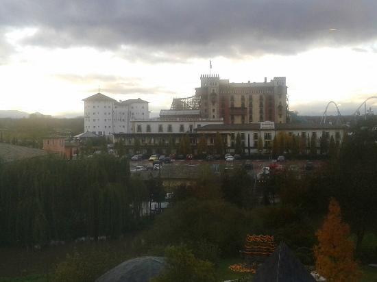 """Hotel """"Bell Rock"""" Europa-Park: Vue sur les autres hôtels du resort."""