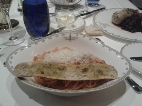 "Hotel ""Bell Rock"" Europa-Park: Captain's Finest : Spaghetti a la Casalinga."