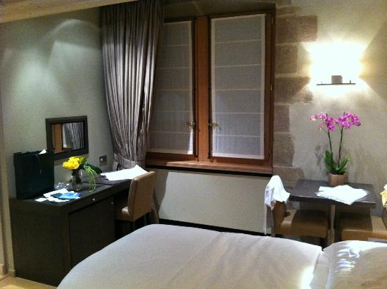 Hotel Les Armures: Chambre