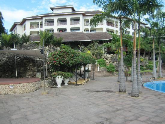 Diani Reef Beach Resort & Spa: Aussenansicht Zimmer