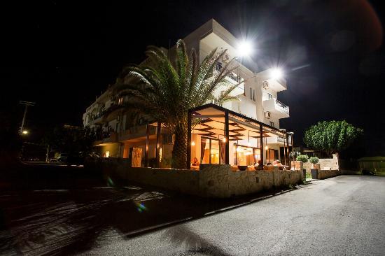 Alexis Hotel, Chania: theodosi restaurant entrance