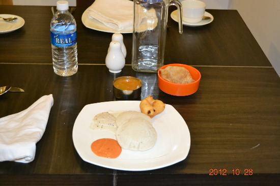 The Grand Marena: Typical Breakfast