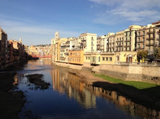 AC Hotel Palau de Bellavista: short walk to girona....