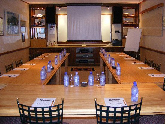 Kwelanga Country Retreat: Conference Room