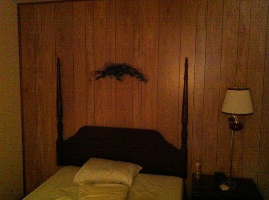 Eagle's View Cottages: Cottage #80 Bedroom #2