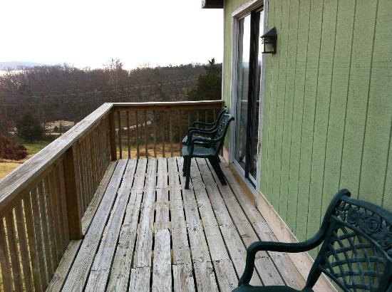 Eagle's View Cottages: Cottage #80 deck