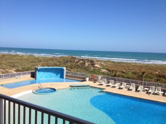Hilton Garden Inn South Padre Island: Day view from ocean view suite