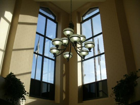 Quality Inn: View in lobby