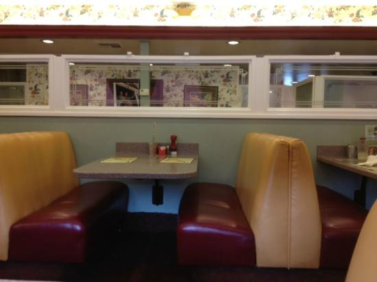 Polly's Pies: Old fashioned decor