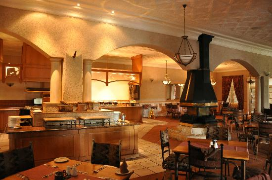 Cathedral Peak Hotel: Dining room
