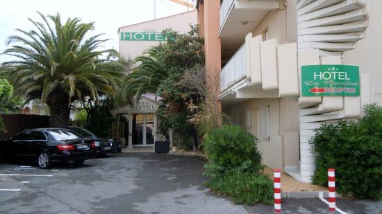 Hôtel Les Grenadines : Hotel Entrance