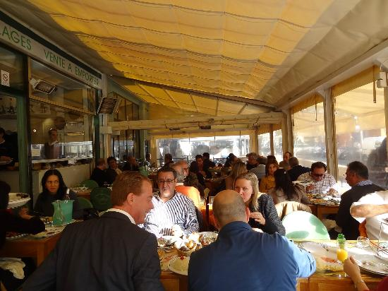 Astoux et Brun: interior restaurant