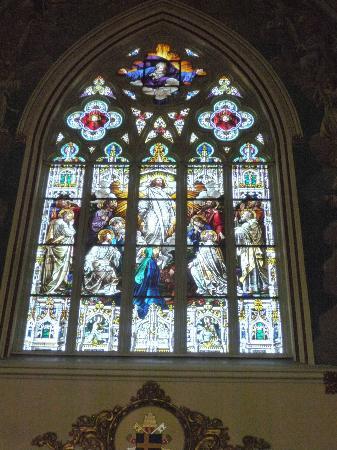 Cathédrale Saint-Jean-Baptiste : Stained Glass Window