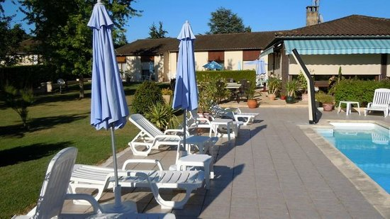 Hotel Le Mas del Pechs : Pool Area