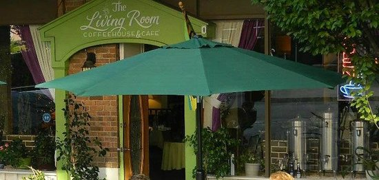 The Green Room Cafe And Coffee House : Outside dining at the Living Room