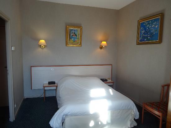 Best Western Hotel Terminus: 部屋の中(ベッド)
