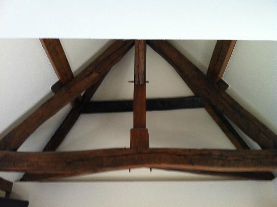Auberge Saint-Pierre: poutres du plafond