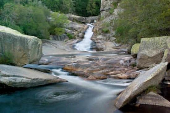 Casal de Folgueiras: Caldas, Segade falls