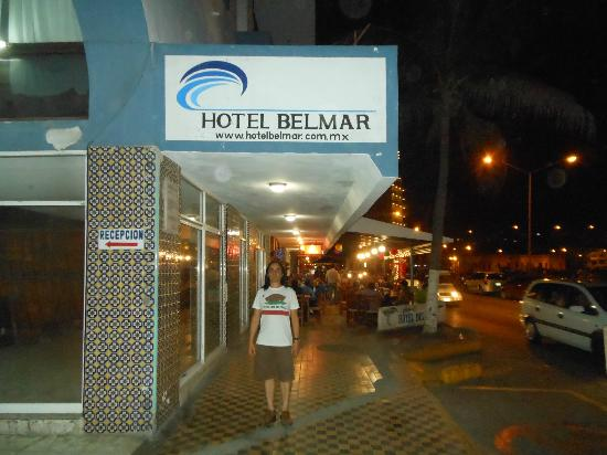 Hotel Belmar: Sidewalk entrance NOV2012