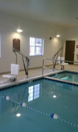 Microtel Inn and Suites by Wyndham, Minot : Love the accessibility of the pool area
