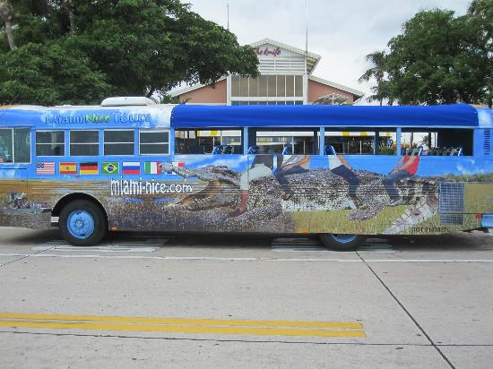 Miami, FL: Convertible Bus - Airconditioned Inside. Now in 7 languages