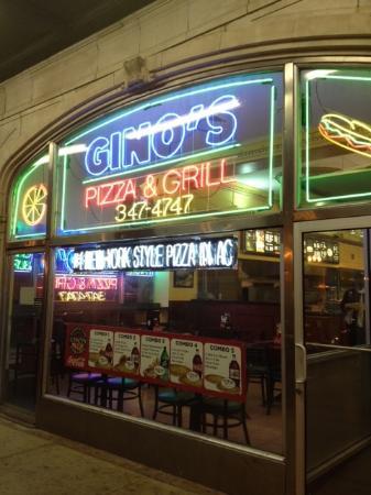 Gino's Pizza: Storefront