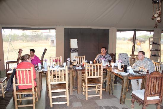 Asanja Africa: Dining Hall
