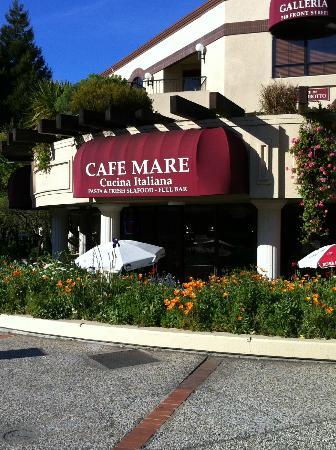 Cafe Mare: Vista lato strada del ristorante