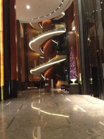 Conrad Seoul: spiral stairs definitely will attract you