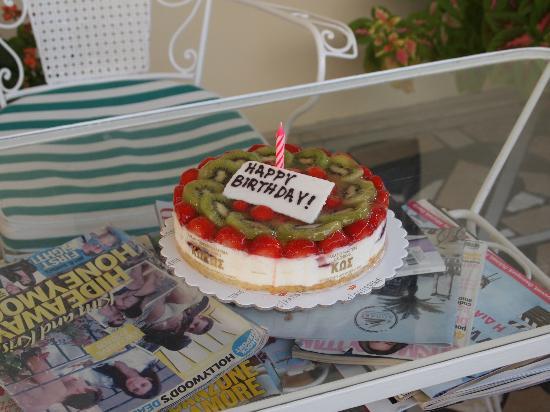 Hotel Sonia: Sonias Geburtstagskuchen