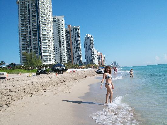 Miami, FL: playa frente al hotel