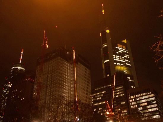 commerzbank - notte