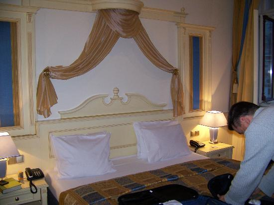 Luxury Family Hotel Royal Palace: Our room